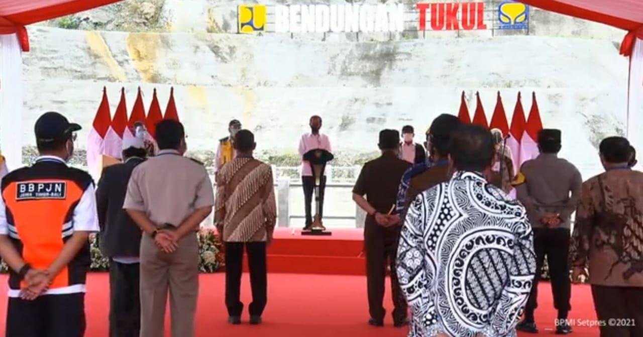 Resmikan Bendungan Tukul, Presiden Jokowi Berharap Kesejahteraan Masyarakat Meningkat
