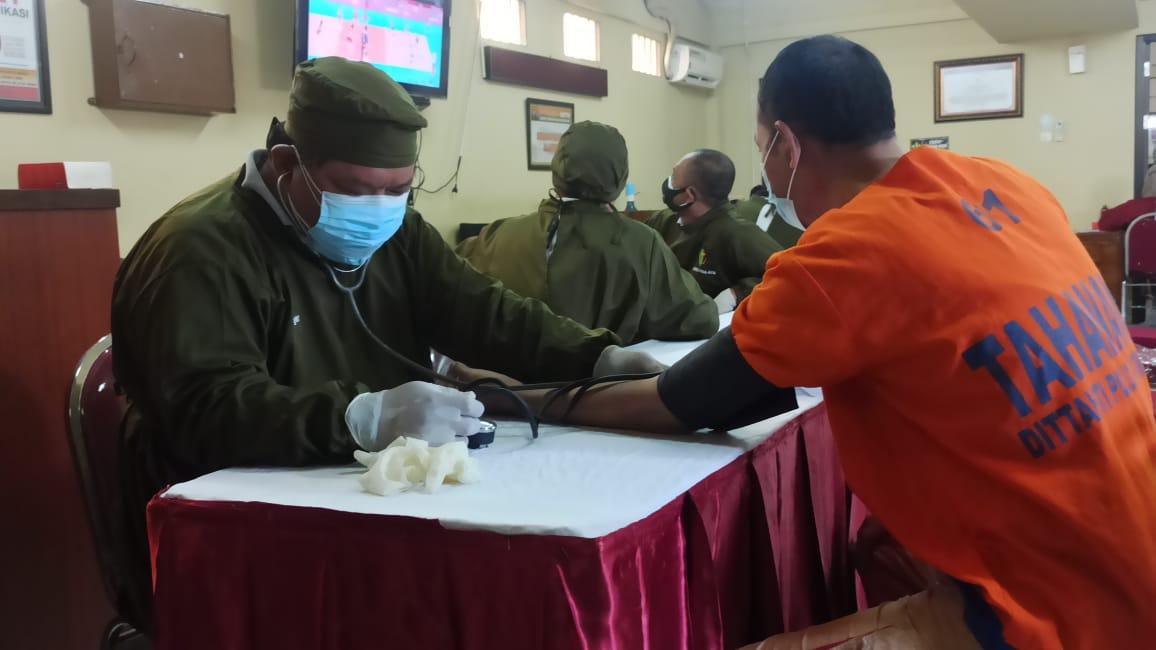 Vaksinasi Tahap Pertama Bagi Para Tahanan Digelar Dittahti Polda Jatim
