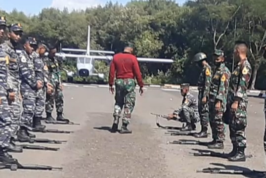 Jam Pengasuhan Taruna AAL Korps Marinir Diwarnai Berbagai Lomba Ketangkasan