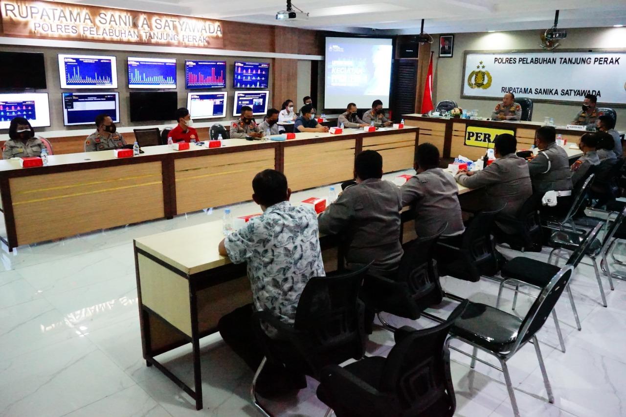 Kunker Pamatwil Polda Jatim Cek Home Care Vaksin Polres Pelabuhan Tanjung Perak
