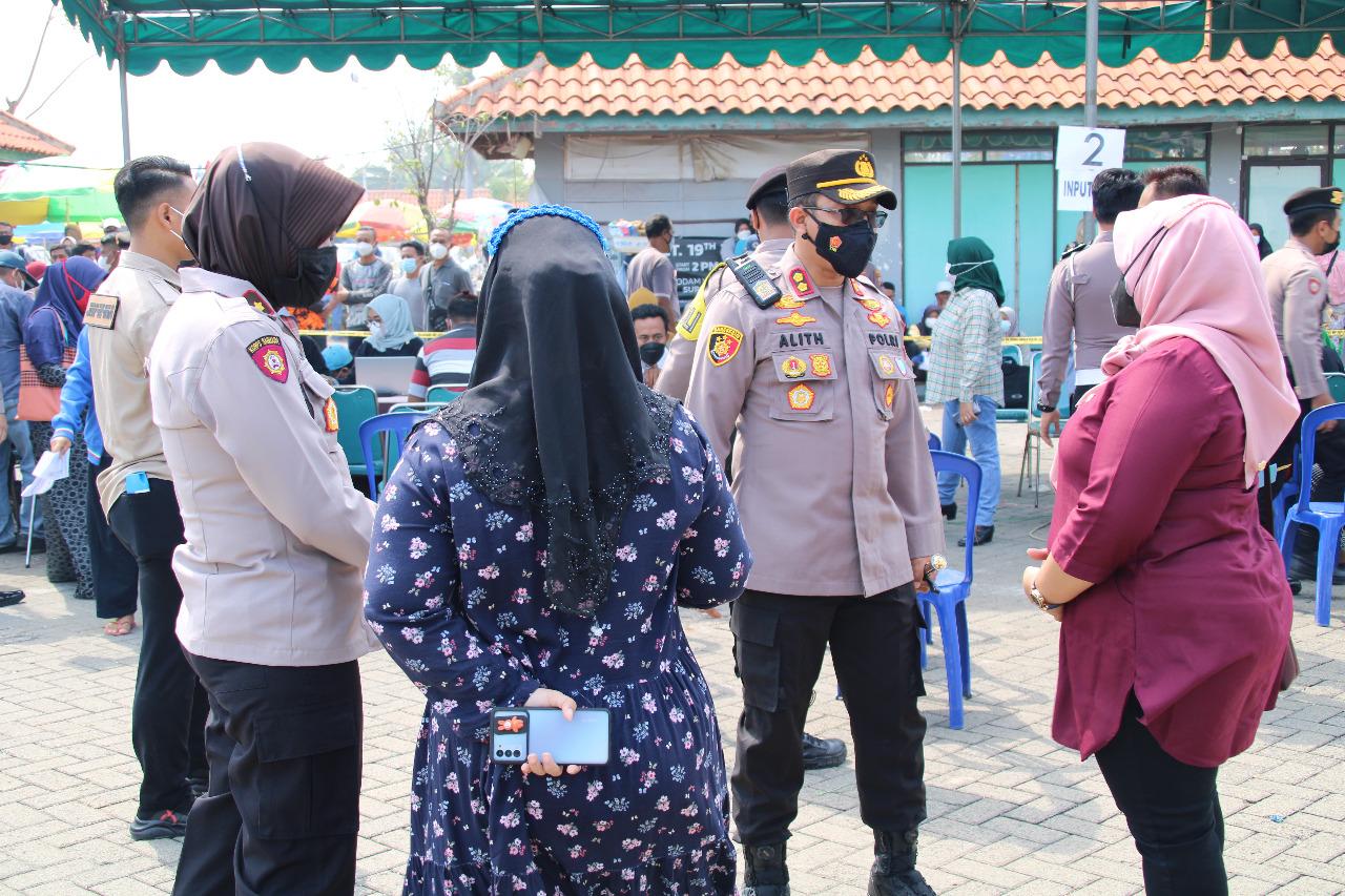 Vaksinasi Merdeka Semeru 2021 Alumni Akpol 95 Bersama Polres Bangkalan di ASDP Kamal