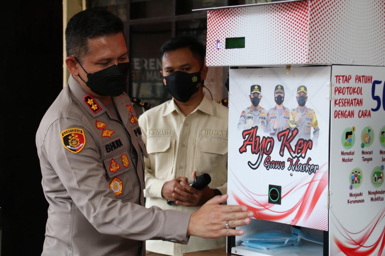 Dispenser Masker Polresta Malang Kota Inovasi Pertama di Indonesia